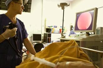Осложнения после колоноскопии: боли в животе, понос, запор, кровь