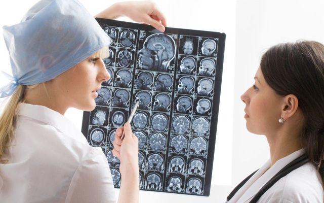 Разница между МРТ и КТ головного мозга: что лучше?