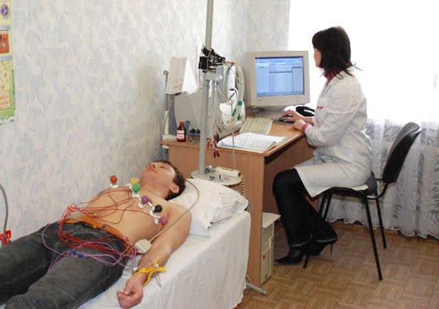 Какие болезни показывает ЭКГ обследование?