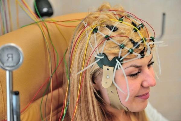 Подготовка к ЭЭГ головного мозга у взрослых и детей