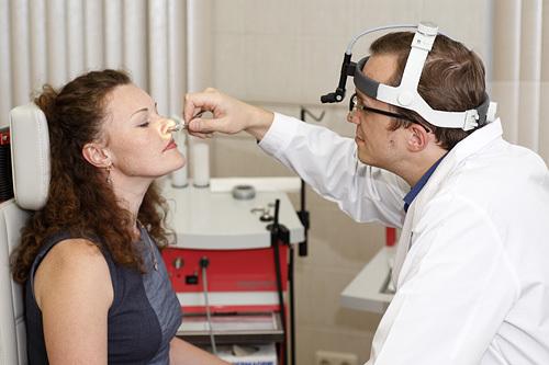 Эндоскопия гортани и глотки – что это такое, как проводится?